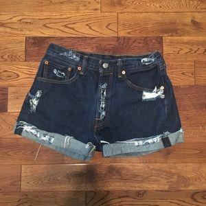Levi's women's W32 L30 dark wash jean shorts.